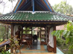 cantika alami renovated shop